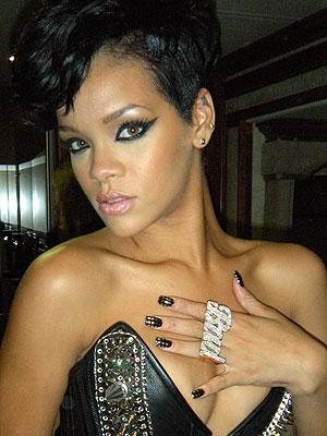 lady gaga bow nails. Lady Gaga, Rihanna,