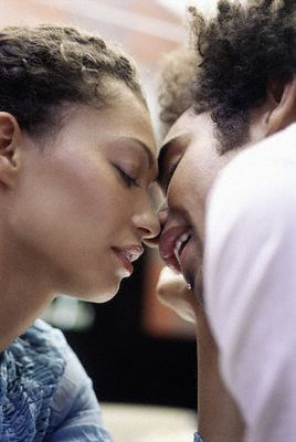 THE JUICY SECRETS ON HOW TO BE AN AMAZING KISSER | The MO ...